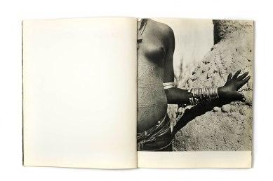 1950_Noire_d'ivoire_forweb002
