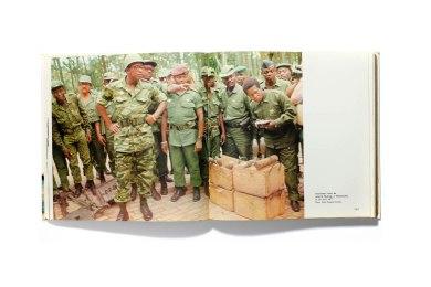 1978_Mobutu_et_la_guerre004