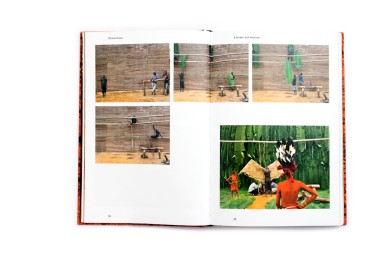 Title: Songs of the Walés Photographer(s): Patrick Willocq Designer(s): Martin Lutz and Patrick Willocq Writer(s): Martin Boilo Mbula, Laurence Butet-Roch, Alain Mingam, Azu Nwagbogu and Patrick Willocq Publisher: Kehrer Verlag, Heidelberg 2017 Pages: 208 Language: English ISBN: 978-3-86828-830-8 Dimensions: 15 x 23 cm Edition: - Country: Democratic Republic of Congo