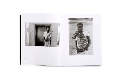 Title: Moçambique Photographer(s): José Cabral Designer(s): Joana Durães Writer(s): Alexandre Pomar and Drew Thompson Publisher: XYZ Books, Lisbon 2018 and Associação Kulungwana, Maputo 2018 Pages: 176 Language: Portuguese and English ISBN: 978-989-99063-7-2 Dimensions: 16.5 x 20.5 cm Edition: 800 Country: Mozambique