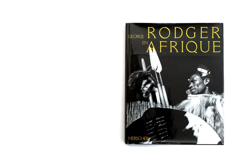 Title: En Afrique Photographer(s): George Rodger Designer(s): - Writer(s): Carole Naggar Publisher: Herscher, Paris 1984 Pages: 192 Language: French ISBN: 2733500732 Dimensions: 24 x 31 cm Edition: Country: Sudan, Tanzania, Lesotho, Northern Rhodesia and Souther Rhodesia
