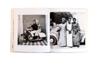 Title: Malick Sidibé Photographer(s): Malick Sidibé Designer(s): Hans Werner Holzwarth Writer(s): André Magnin, Malick Sidibé, Youssouf Doumbia, Panka Dembelé and Boubacar Traoré Publisher: Scalo, Zurich 1999 Pages: 184 Language: English ISBN: 978-3931-1419-36 Dimensions: 24x29 cm Edition: Country: Mali
