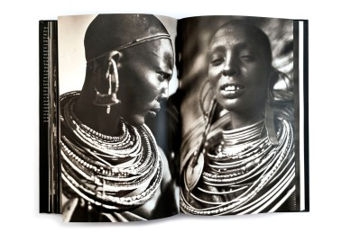 Title: Lost Africa Photographer(s): Casimir Zagourski Designer(s): Marcello Francone and Monica Temporiti Writer(s): Pierre Loos and Ezio Bassani Publisher: Skira Editore S.p.A., Milan 2001 Pages: 242 Language: English ISBN: 88-8491-008-0 Dimensions: 21.5 x 32 cm Edition: Country: Belgian Congo This photobook is based on the album Casimir Zagourski self-published titled L'Afrique qui disparaît.