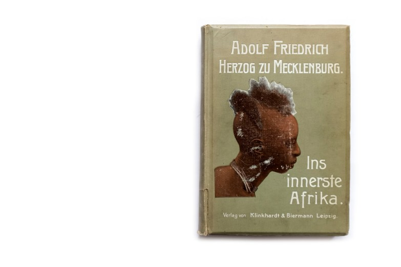 Title: In innerste Afrika Photographer(s): various, most probably by some of the members of the expedition Designer(s): Graphischen Institut Julius Klinkhardt Writer(s): Adolf Friedrich, Duke of Mecklenburg Publisher: Verlag von Klinkhardt & Biermann, Leipzig 1909 Pages: 476 Language: German ISBN: – Dimensions: 18 x 26 cm Edition: Country: Belgian Congo, Uganda, Rwanda, Burundi and Tanzania