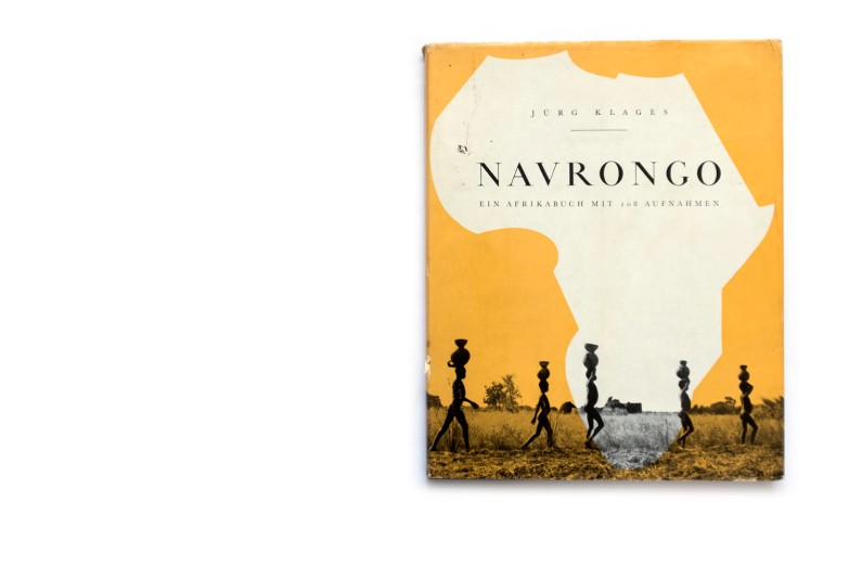 Title: Navrongo : ein Afrikabuch mit 108 Aufnahmen Photographer(s): Jürg Klages Designer(s): Jürg Klages (?) Writer(s): Jürg Klages Publisher: Rotapfel Verlag, Zürich 1953 Pages: 120 Language: German ISBN: – Dimensions: 25 x 18cm Edition: Country: Ghana