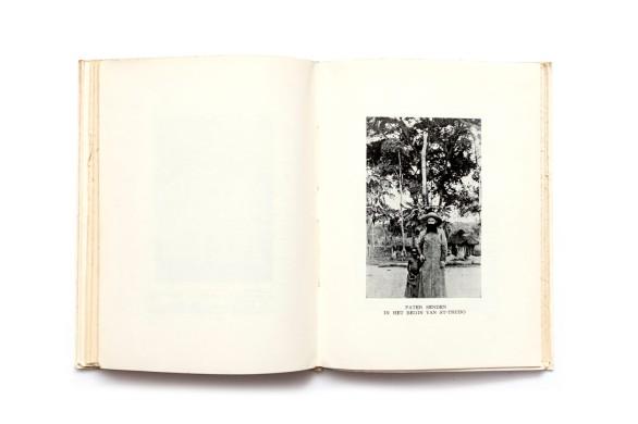 Title: De Limburgers in Congo Photographer(s): unknown Writer(s):Marcel Luwell Designer(s): – Publisher: K.M. Koloniale Dagen van Limburg /Limburgse Drukkerijen, Hasselt 1952 Pages:140, only 19 photographic plates Language:Dutch ISBN: – Dimensions: 14 x 19 cm Edition: Country:Belgian Congo