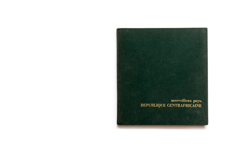 Title: Merveilleux pays, Republique Centrafricaine Photographer(s): Various photographers and photo agencies Writer(s): Henri Bourget Designer(s): Henri Cuypers and Luc Van Gucht Publisher: Editions Delroisse (comissioned by the Precidency of the Central African Republic), Versailles 1968 Pages: 126 Language: French ISBN: - Dimensions: 22 x 24 cm Edition:  Country: Central African Republic