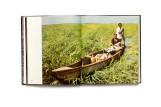 Title: Bilder aus Angola Photographer(s): Jochen Moll Writer(s): CathérineGittis and Hans-DieterBräuer Designer(s):Interdruck Graphischer Publisher: Edition Leipzig, Leipzig 1979 Pages: 160 Language:German ISBN: – Dimensions:19.5 x 22.5 cm Edition: - Country:Angola