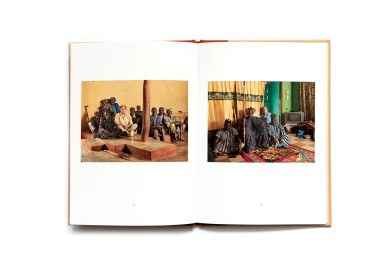 Title: The sweating subject Photographer(s): Jan Banning Writer(s): Jan Banning Designer(s): unknown Publisher: Nazraeli Press, Paso Robles 2018 Pages: 18 Language: English ISBN: – Dimensions: 15 x 21 cm Edition: Limited collectors edition, part of the series 'One Picture Books' Country: Ghana