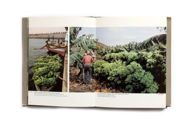 Title: Cabo Verde dez Anos de Desenvolvimento Photographer(s):Christian Bossu_Picat Writer(s): Ovídio Martins Designer(s): - Publisher:Editions Delroisse (Fundo de Desenvolvimento Nacional), Boulogne 1985/6 Pages: 218 Language:French, English and Portugues ISBN: 2-85518-118-6 Dimensions:e21.5 x 27.5 cm Edition: Country:Cape Verde