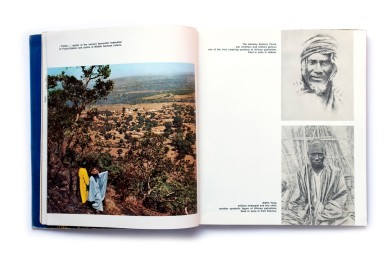 Title: Guinea and its people Photographer(s):unknown Designer(s): unknown Writer(s):Essay by president Sékou Touré Publisher:The Office of the Secretary of State for Information and Tourism. Conakry 1965 Pages: 200 Language:English ISBN: – Edition: – Dimensions: 23.5 x27 cm Country: Guinea