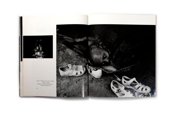 Title: I Eritrea Photographer(s): Göran Assbring Designer(s): Lars E Petterson, Håkan Pieniowski and Magnus Winbladh Writer(s): Håkan Pieniowski, Basil Davidson Publisher: Bildförlaget Öppna Ögon, Fotograficentrums förlag, Stockholm 1986 Pages: 84 Language:Swedish ISBN: 9185906301 / 9197056529 Edition: 3000 Dimensions: 24.5 x 28.5 cm Country:Eritrea