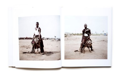 Title: The Hyena men & other stories Photographer(s): Pieter Hugo Designer(s): Curt Holz and Damien Poulain Writer(s): Pieter Hugo and Adetokumbo Abiola Publisher: Prestel, Berlin 2008 Pages: 88 Language: English ISBN: 978-3791361567 Edition: - Dimensions: 24 x 28.5 cm Country: Nigeria