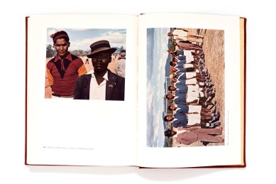 Title: Afrika in Farben Photographer(s): Erna Blenck, Helmut Blenck, Gernot Bertold and Dr. Sickmüller Designer(s): Erich Doms Writer(s): Erna Blunck Publisher: Fichte- Verlag München / Verlag für Koloniales Schrifttum Pages: 76 textpages and 120 color photographs Language: German ISBN: - Dimensions: 25,5 x 18,5 cm Edition: - Country: Various countries