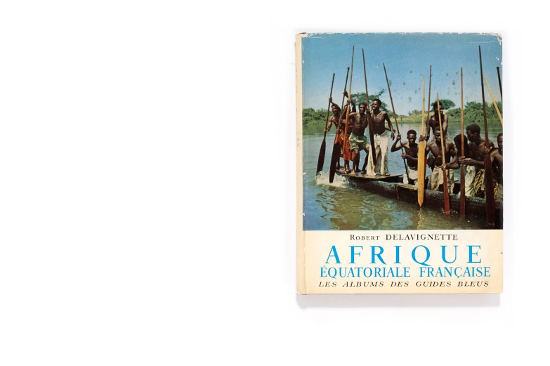 "Title: Afrique Équatoriale Française Photographer(s): Michel Huet, Michel Mako, Pierre Ichac and others Designer(s): Claude Janice Writer(s): Robert Delavignette Publisher: Libraire Hachette, Paris 1957 Pages: 128 pages Language: French ISBN: – Dimensions: 20,5 x 25 cm Edition:  This book was published in the series ""Les Albums des Guides Bleus"" Country:Afrique Équatoriale Française"