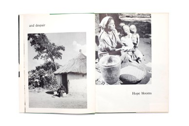 Title: Helping Ourselves, Zambia in pictures Photographer(s): Various photographers Designer(s): Unknown Writer(s): – Publisher: Publication section of the Zambia Information Services, Lusaka 1964 Pages: 64 Language: English ISBN: - Dimensions: 24 x 32 cm Country: Zambia